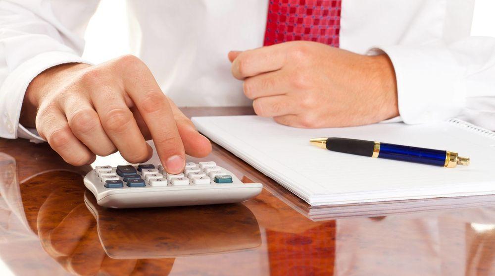 IT-BUDSJETTET KREVER EN DYPERE FORSTÅELSE: Raske besparelser kan bli kostbare i det lange løp, mener kronikkforfatterne.