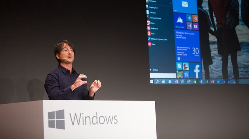 Joe Belfiore viser frem Windows 10.
