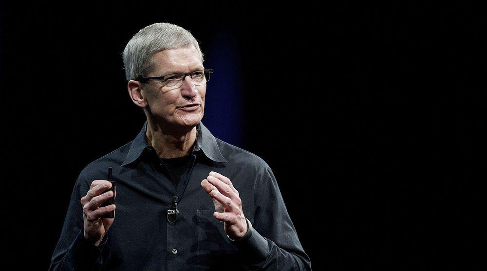 KNEFALL FOR KINA: Kina er et så viktig land for Apple at toppsjef Tim Cook utvider produktgarantien og gjør den bedre enn i hjemlandet USA.