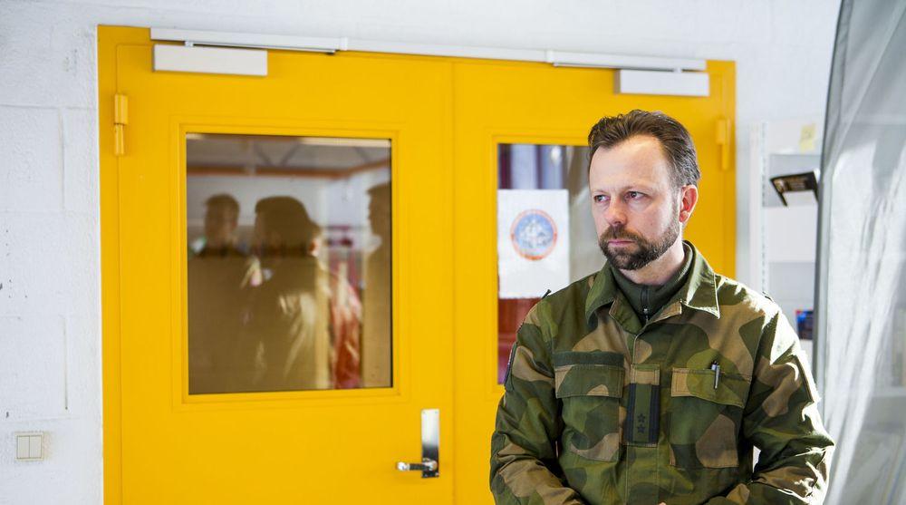 En debatt om digitale militære virkemidler er sterkt ønskelig, mener oberstløytnant Roger Johnsen i Cyberforsvaret.