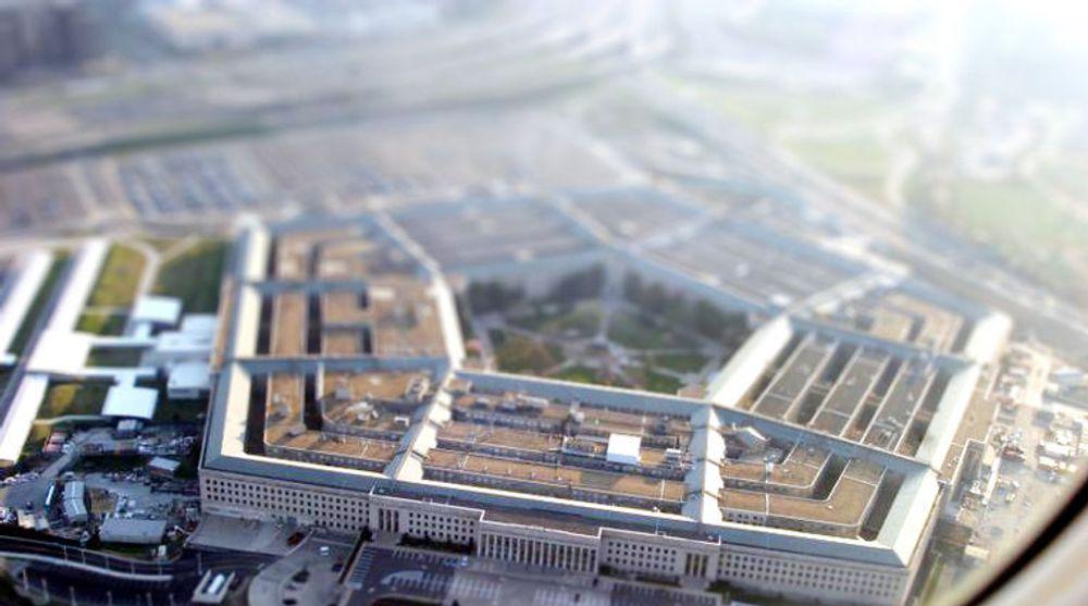 En Pentagon-rapport som ble sluppet mandag slår fast at USA utsettes for spionasje fra offsielt kinesisk hold. Tonen mellom de to supermaktene skjerpes dermed ytterligere.