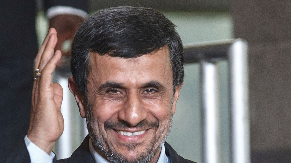 Iranere og Irans president Mahmoud Ahmadinejad (bildet) får nå tilgang til siste skrik innen pc-er, mobil, programvare etc., etter at USA løsner på sanksjonene.