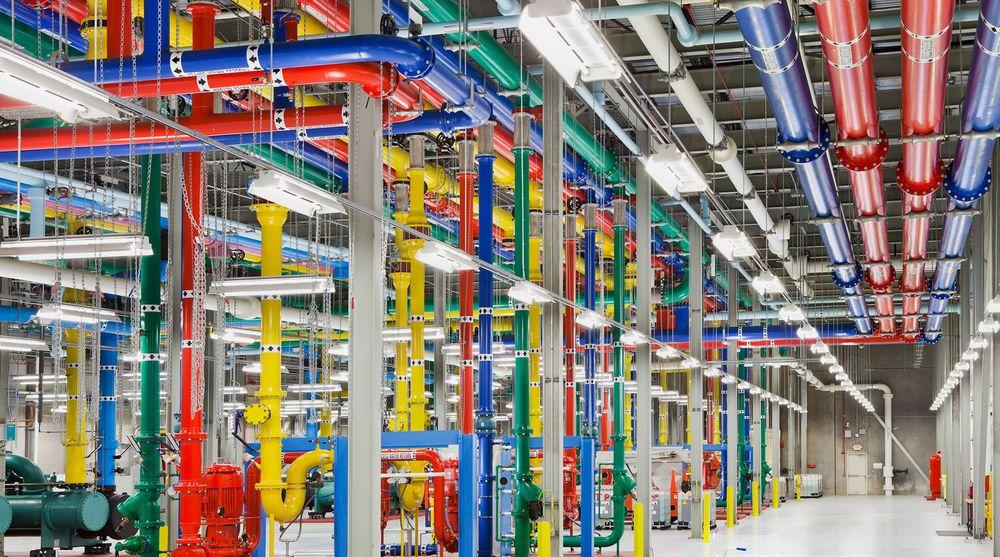 Google varsler priskrig i nettskyen. Bildet er fra kjøleanlegget ved Googles datasenter i Douglas Count.