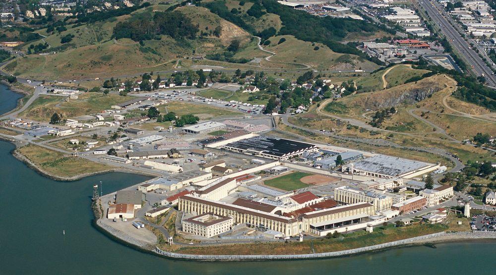 San Quentin ved San Francisco er et av USAs største fengsler. 18 av de over 4.000 innsatte får nå opplæring i webprogrammering.