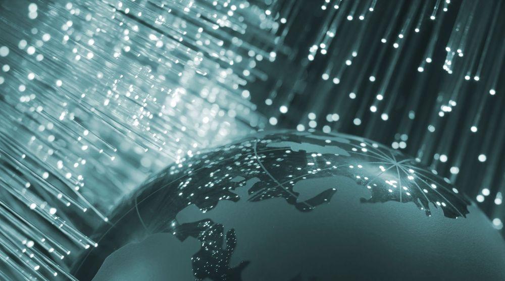 Verden blir stadig mer oppkoblet. Allerede nå er det flere mobilabonnementer enn mennesker på kloden. Det er på 7,1 milliarder mobilabonnementer nå og det vil vokse til 9,5 milliarder mobilabonnenter i 2020. En tredjedel av dem vil være på LTE.