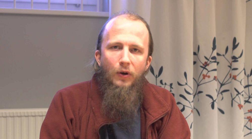 Gottfrid Svartholm Warg (bildet), også kjent under hackeraliaset «Anakata», ble torsdag funnet skyldig i det som betegnes som den største hackersaken i Danmark. Også en medtiltalt 21-åring ble funnet skyldig etter tiltalen.