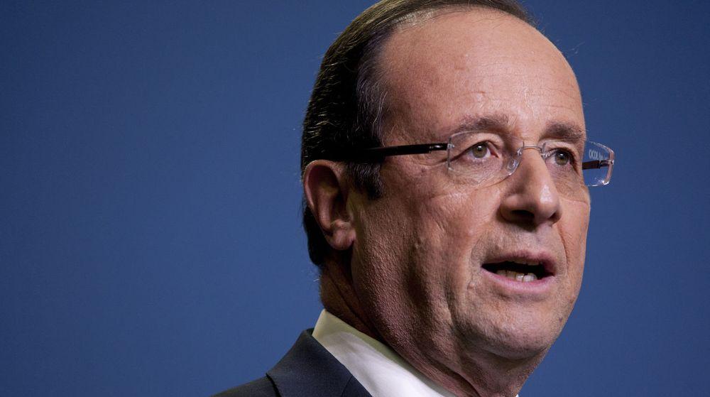 Den franske presidenten, Francois Hollande, vil i løpet av sommeren ta stilling til om franske forbrukere må betale en ekstra kulturskatt på slg av smarttelefoner og nettbrett.