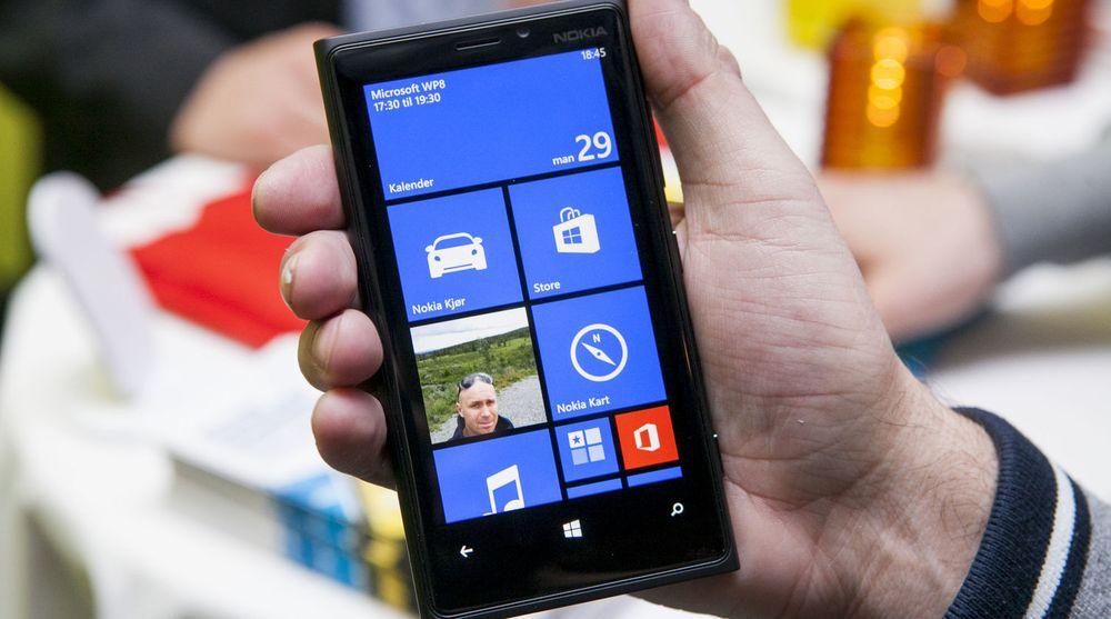 Analytikerne bommet da de spådde et salg på 7,8 mnr Lumia-smartmobiler i andre kvartal. Nokia presterte bare 7,4 millioner. Bildet viser Lumia 920.