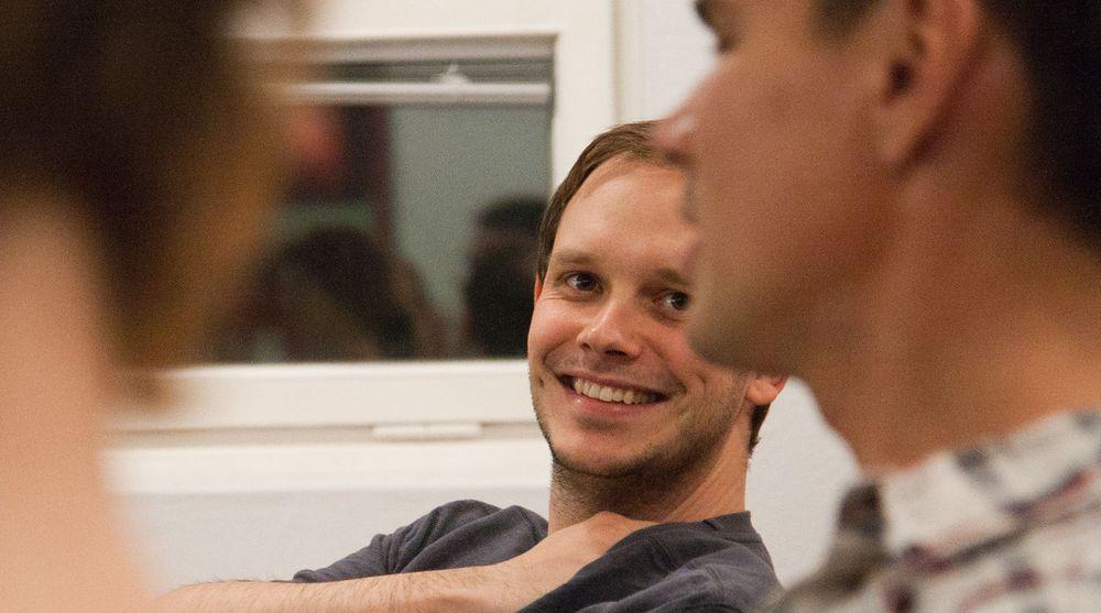 Peter Sunde er mest kjent som medgründer og tidligere talsperson for Pirate Bay. Han har også vært med å starte nettjenester som Flattr og Ipredator.