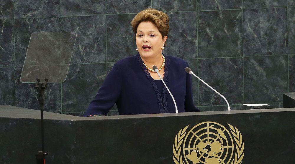Brasils president Dilma Roussef talte til FNs hovedforsamling 24. september. Hun rettet kraftig kritikk mot amerikansk kyberspionasje mot henne selv, hennes medarbeidere, og mot Brasils statseide oljeselskap Petrobras.