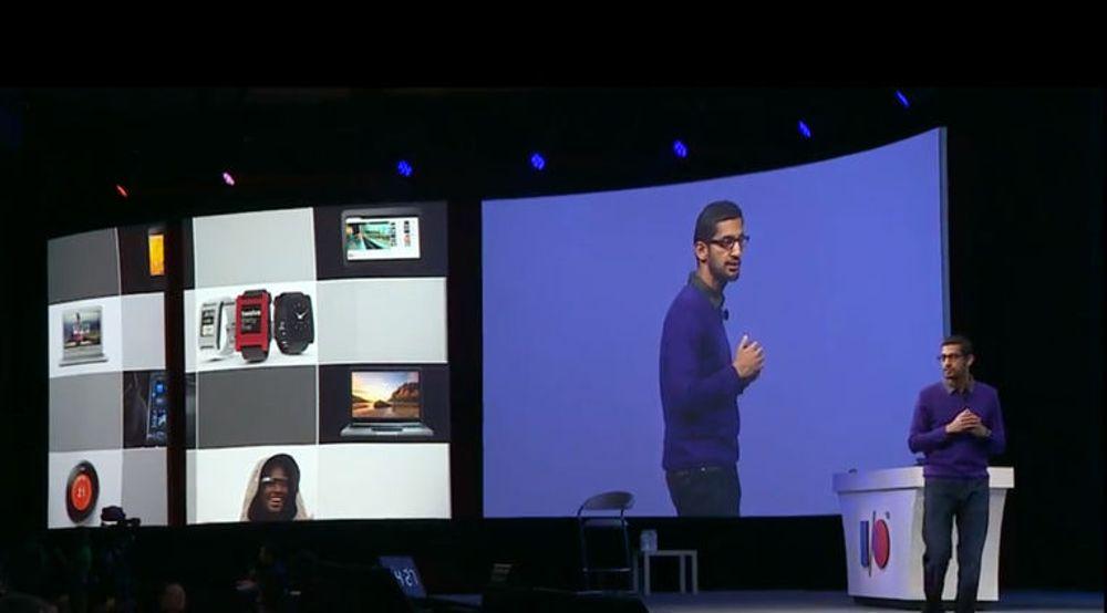 Sundar Pichai varsler at Google kommer med et flunkende nytt SDK til smartur, briller og så videre. Bildet er fra fjorårets Google I/O-konferanse.
