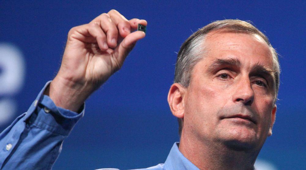 Intel-sjef Brian Krzanich med en Quark-brikke.