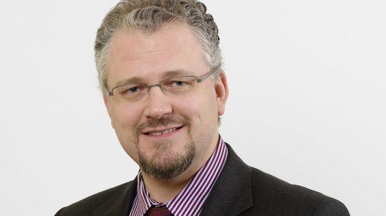 Roger Schjerva var statssekretær i Finansdepartementet i åtte år, og er dermed den som har hatt denne jobben lengst. Nå blir han IKT-Norges nye regnemester.