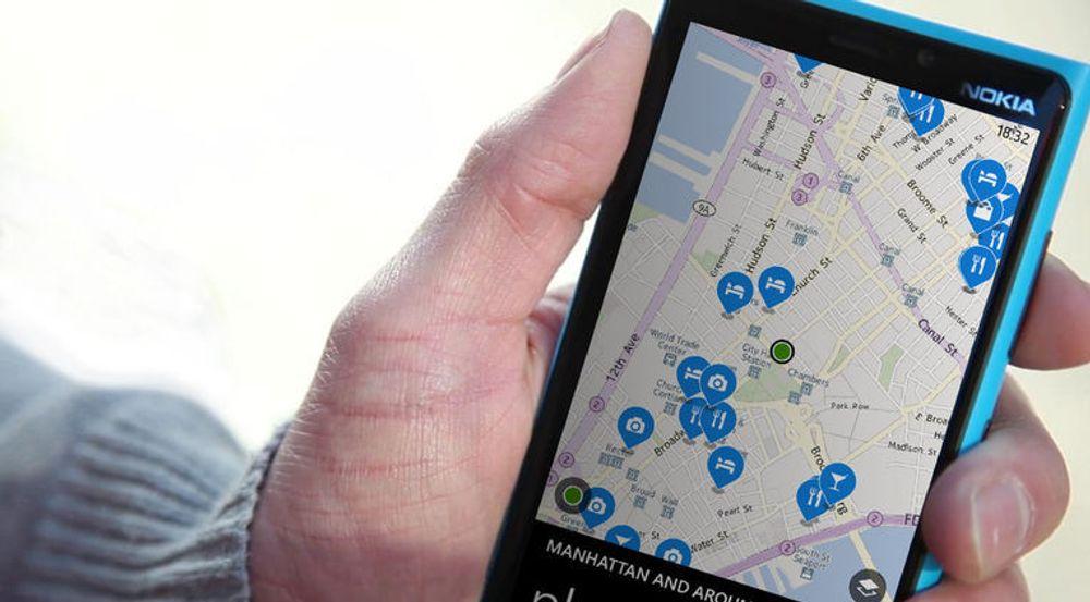 Nokia prøver å friste blant annet Apple, Amazon og Facebook til å kjøpe kartvirksomheten deres, sier kildene.