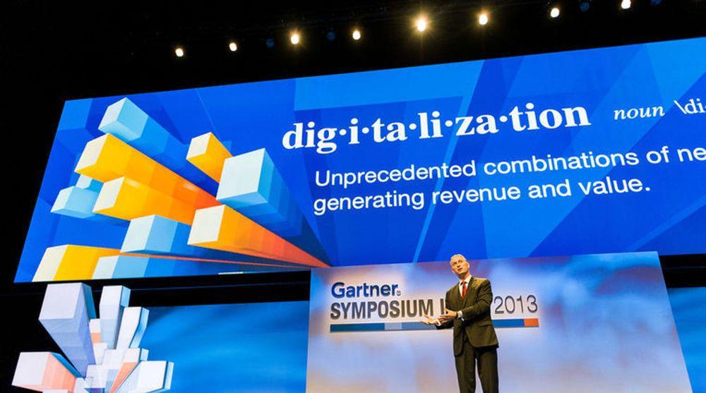 Digitalisering diskuteres verden over. Her er Gartners definisjon, formulert av Peter Sondergaard: Hittil ukjente kombinasjoner av nye teknologier for å skape inntekter og verdi.