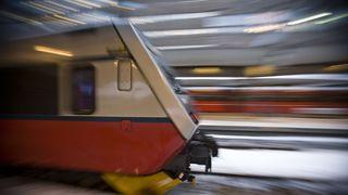 Nettbrett stanser togene
