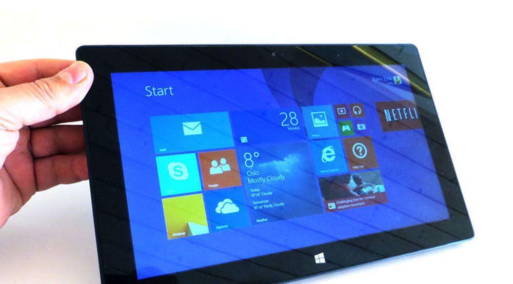 Microsoft ser ut til å lykkes langt bedre med Surface Pro 2 enn med forgjengeren. På utsiden er det lite som skiller, men ny og kraftigere innmat sørger blant annet for bedre batteritid enn før.