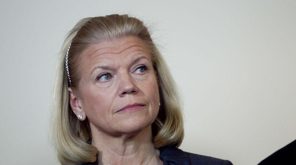 IBMs toppsjef, Ginni Rometty, må forsvare seg mot anklager fra en sinna aksjonær. Et pensjonsfond mener selskapets forhold til NSA har kostet flere milliarder kroner.