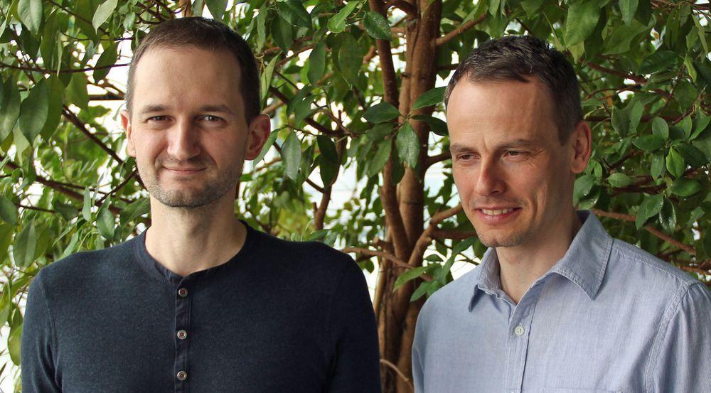 Palo Luka (tv) er teknologidirektør i ESET. Han overtok stillingen etter Richard Marko (th) i  2011, som samtidig ble selskapets administrerende direktør.