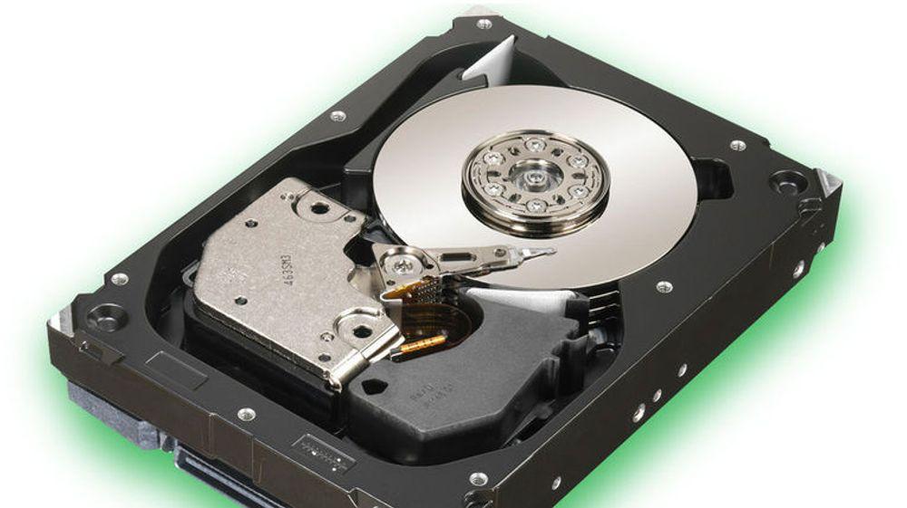 Selv om SSD-er er i ferd med å overta harddiskens rolle i mange pc-er. Det betyr ikke at harddiskens tid nå er over, men at de store datamengdene i stadig større grad lagres andre steder enn lokalt i pc-en. Her en Cheetah-harddisk fra Seagate.