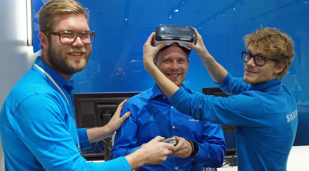 VR-brillene vil ikke selges i Norge, så det er hyggelig at Samsung lar alle prøve.