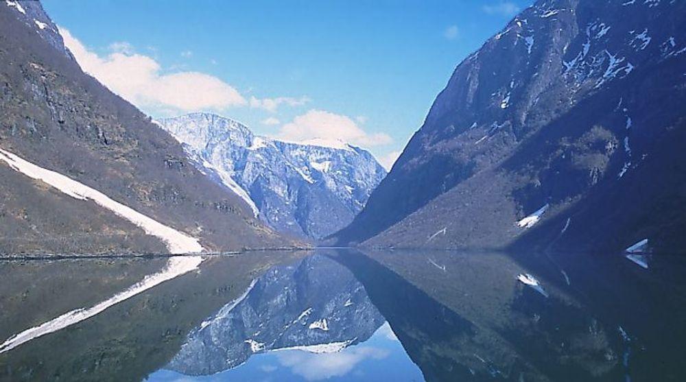 Feil i telenettet slo ut deler av dekningen i Sogn og Fjordane. Fylket er her representert ved den vakre Sognefjorden.