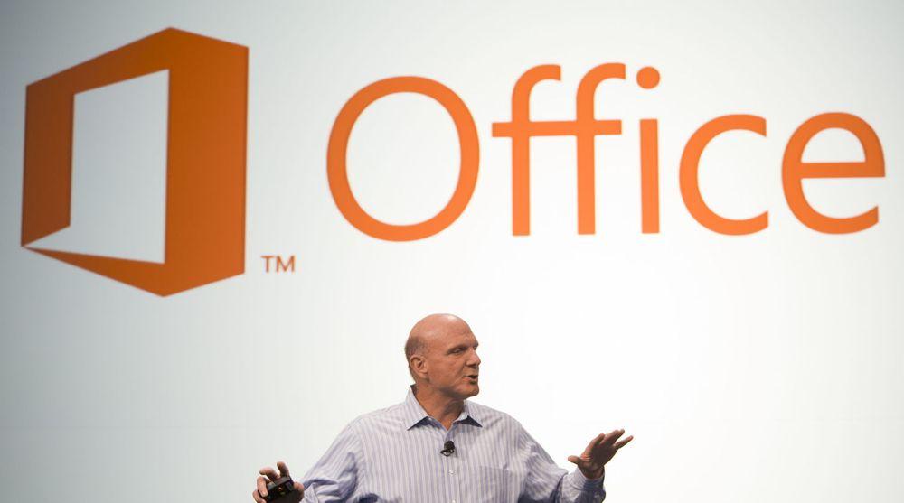 Steve Ballmer og Microsoft har kommet på bedre tanker om hvilke rettigheter selskapets Office 2013-kunder bør ha til ta med seg programvaren fra én datamaskin til en annen.