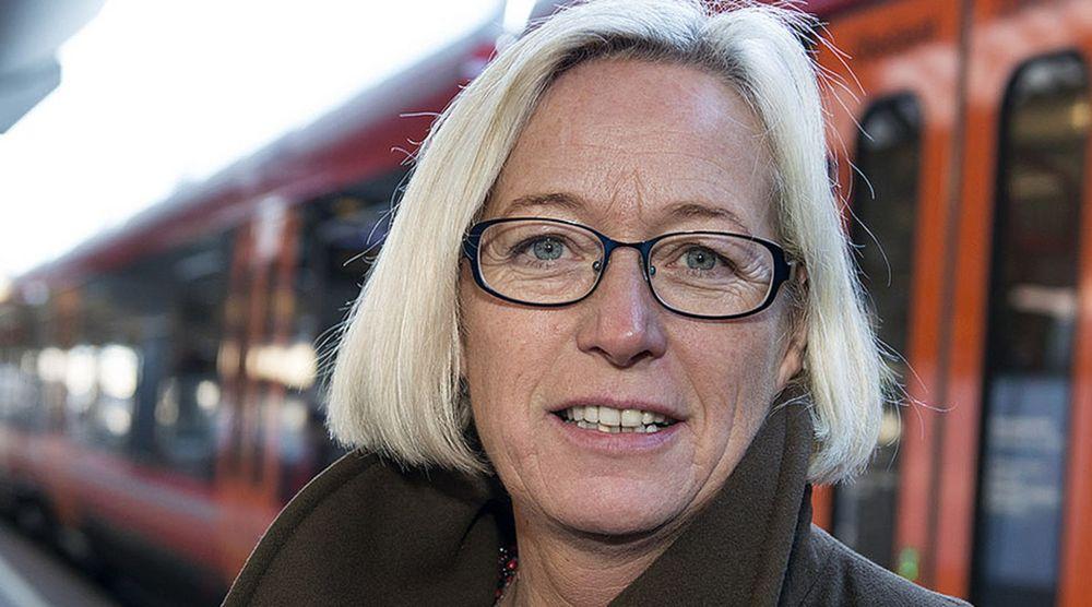 Statsråd Marit Arnstad i Samferdselsdepartementet foreslår en ekomlov der brukersamtykke har et annet innhold enn i personopplysningsloven.