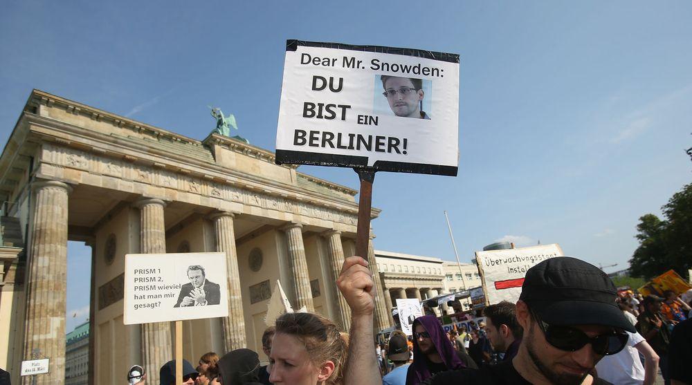 Aktivister i omtrent 30 tyske byer demonstrerte den 27. juli mot PRISM-systemet til NSA og til støtte for  Edward Snowden og Bradley Manning.