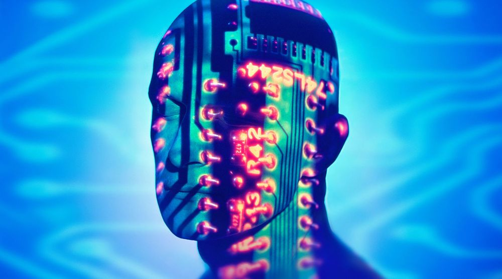Kroppsnær teknologi kommer i mange ulike former. Vi er i en tidlig fase, men bedriftsmarkedet bør ikke vente på at forbrukermarkedet og standarder etablerer seg. Døren står åpen for tidlig eksperimentering, skriver kronikkforfatteren.