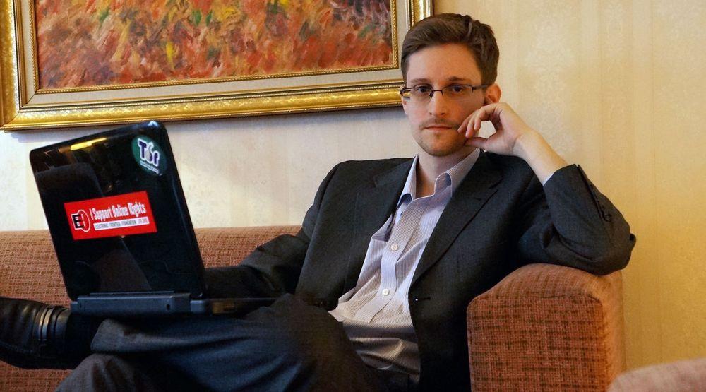 STÅR FRAM SOM SPION: Edward Snowden sier han fikk opplæring som etterretningsagent «på alle nivåer», med jobber for både CIA og NSA i skjul utenlands. Dermed avviser han påstandene om at han bare var en sysadmin, analytiker eller «hacker» som president Barack Obama har kalt ham. Det er tv-kanalen NBC som har fått Snowden i tale i et sjeldent intervju.