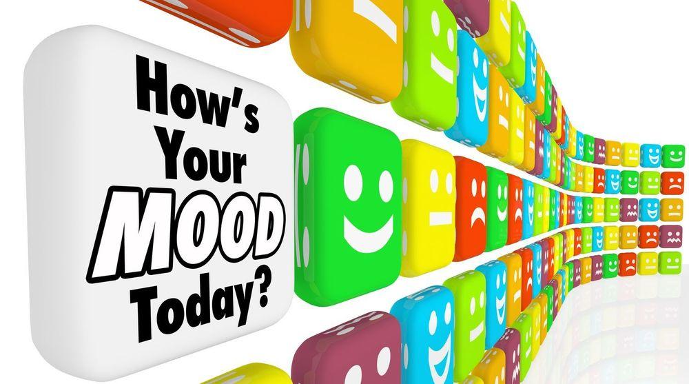 Weben og andre internett-tjenester er fulle av smilies og emoticons som kan representere følelser og understreke hva som menes. Men bruken og betydningene er ikke standardisert.