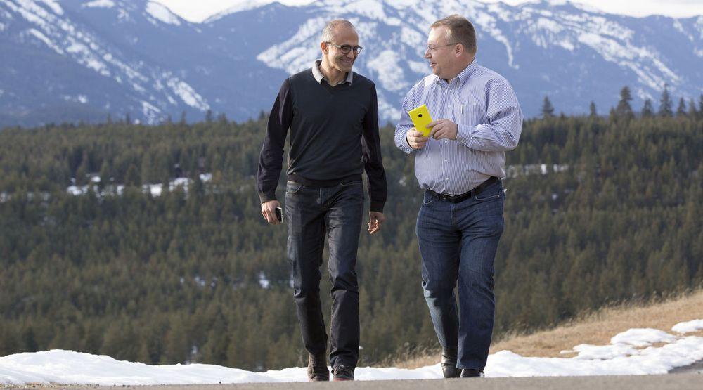 Kanskje det var framtiden til Surface Mini som Satya Nadella og Stephen Elop egentlig diskuterte da dette bildet ble tatt tidligere i vår.