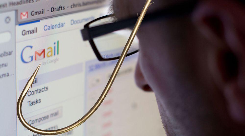 Mange Gmail-brukere mottar for tiden e-post som framstår som at Google er avsenderen og har behov for at brukeren oppgir passordet til Gmail-kontoen. Google opplyser dog at selskapet aldri sender slike e-postmeldinger.