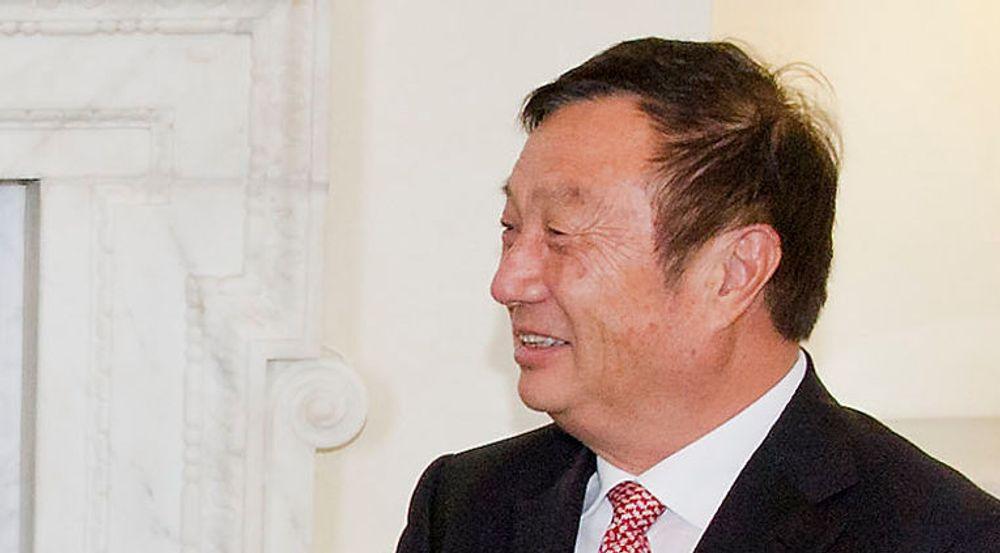 Ren Zhengfei er gründer og styreleder i Huawei. I 2011 innførte han et system der stillingen som administrerende direktør går på omgang mellom tre toppledere som sitter seks måneder om gangen. I april tar Guo Ping over etter Eric Xu. I oktober er det turen til Ken Hu.
