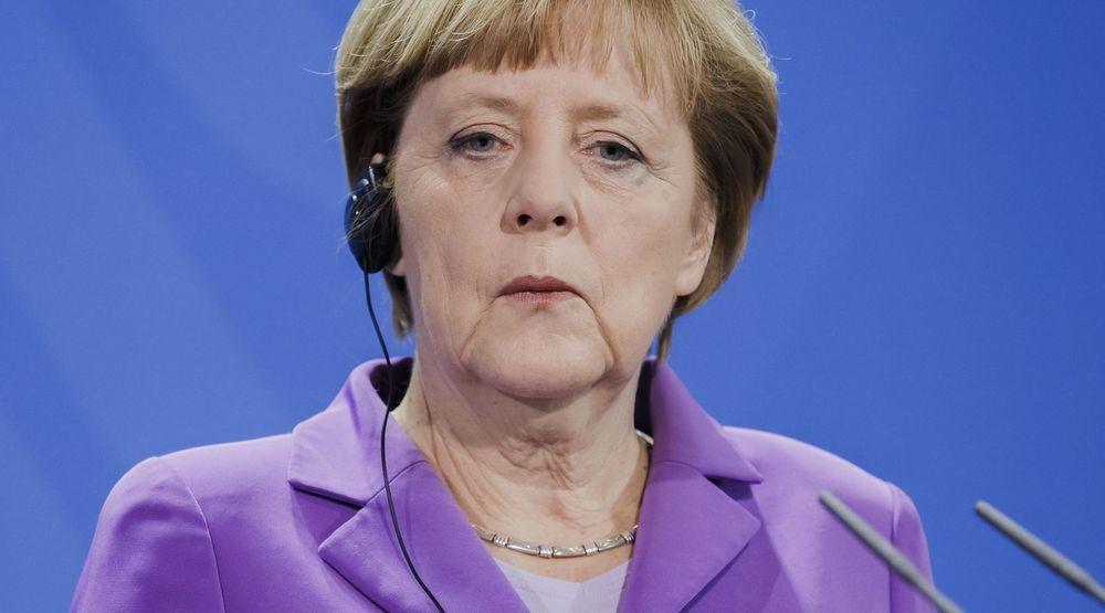 OPPRØRT: Edward Snowdens lekkasje av topphemmelige NSA-dokumenter viste at USAs etterretning overvåket den tyske forbundskansleren Ankela Merkels personlige mobiltelefon i en årrekke. Merkel reagerer kraftig.