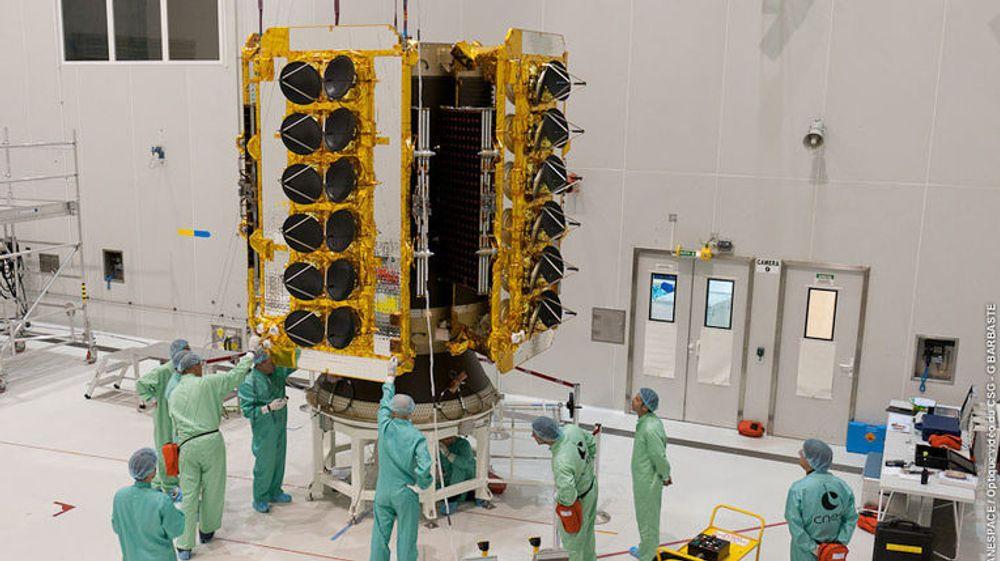 Fotografiet viser én av O3bs kommunikasjonssatellitter. Satellittene Google angivelig skal bruke, skal bare veie en sjettedel av denne.