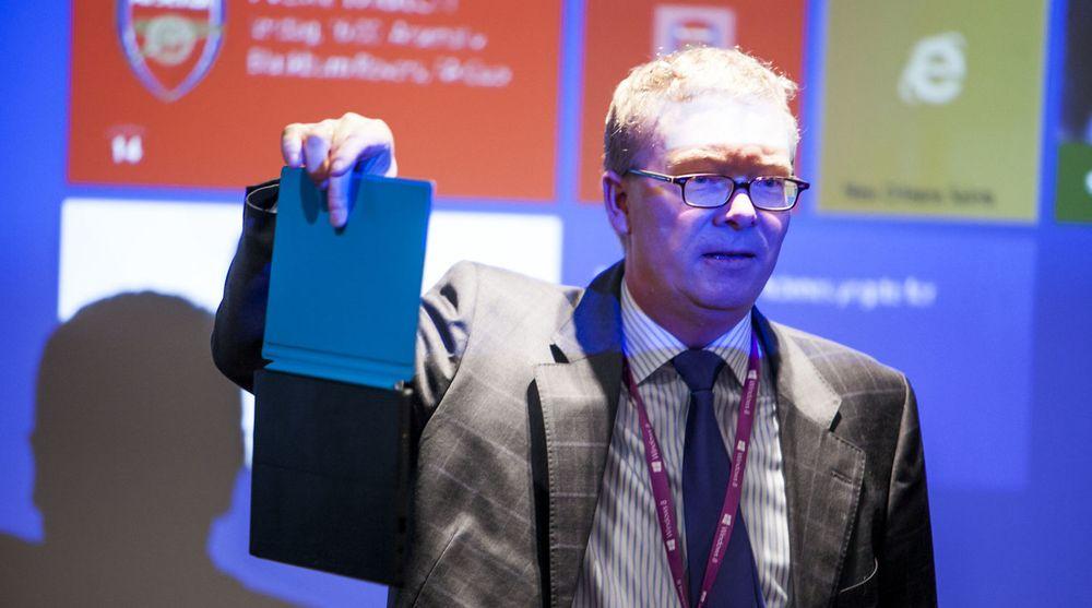 Surface RT, her demonstrert av Windows-direktør Christian Almskog i Microsoft Norge under lanseringen i februar, har vært alt annet enn en suksess for Microsoft.