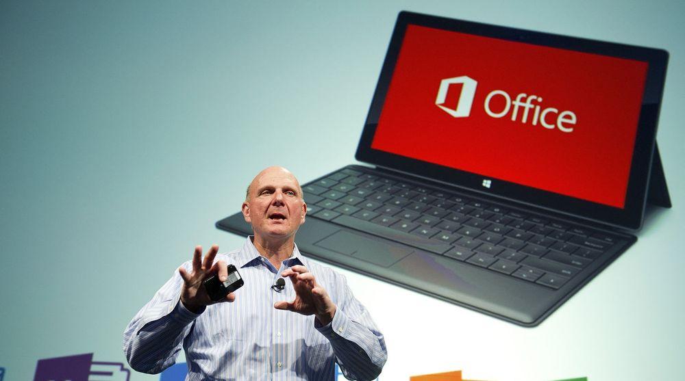 Microsoft, med toppsjef Steve Ballmer i spissen, har ikke gjort det så bra som forventet med salget av Surface-nettbrettene. Først kuttet de prisene på RT-modellene. Nå er det toppserien Pro som får en omgang med pris-saksen.