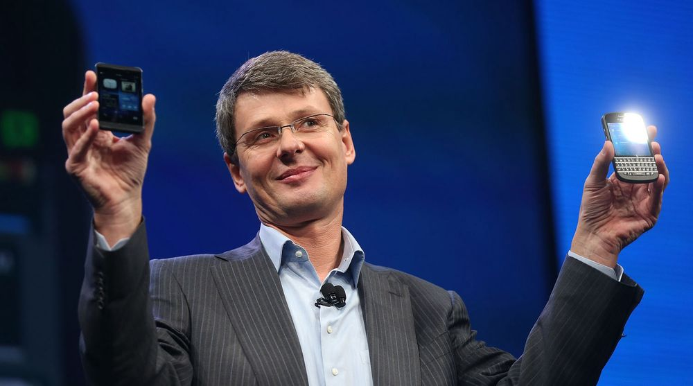 Blackberrys toppsjef, Torsten Heins, jobber febrilsk for å få selskapet inn i smulere farvann. Fallende salg og store tap gjør at selskapet nå er til salgs. Men analyseselskapet Gartner advarer sine kunder og ber dem finne et alternativ raskt.