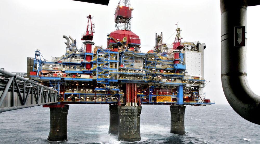 Seks blokker, hver på 10 MHz, i 800 MHz-båndet er nå tildelt to aktører som tilbyr blant annet mobiltjenester til sjøs. Bildet viser Sleipner T-plattformen i Nordsjøen.