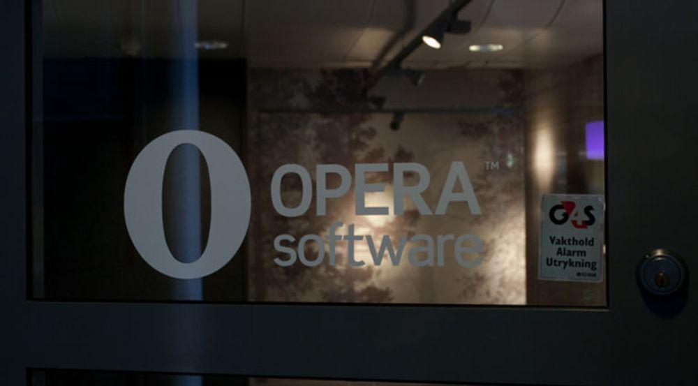 En kamp mellom Opera Software og amerikanske Firefox kan koste designeren Trond Werner Hansen dyrt, skriver DN.