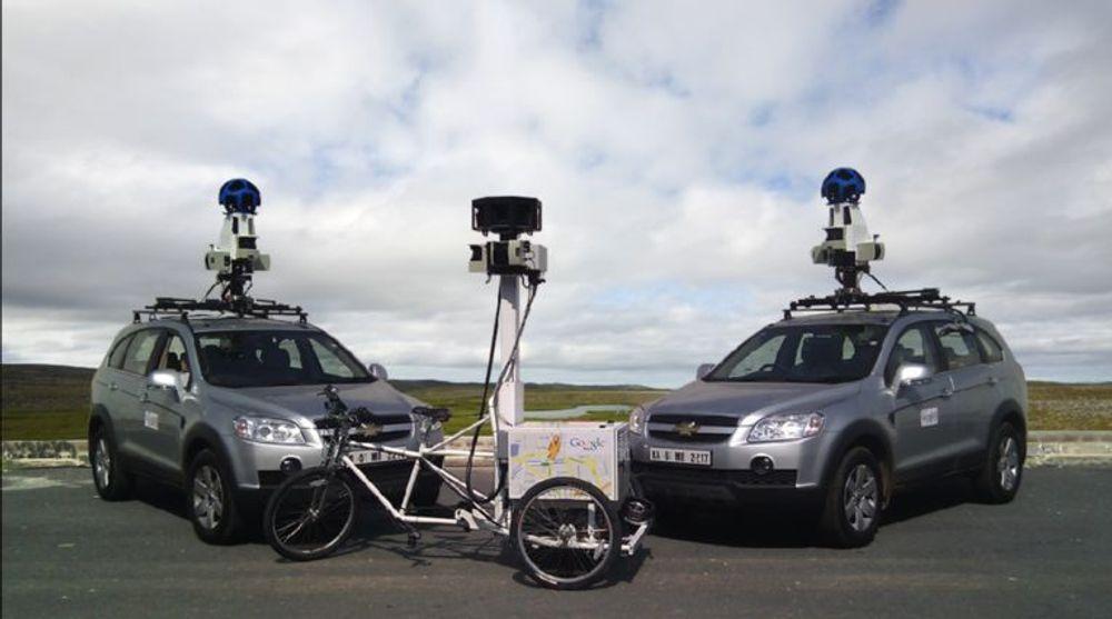 Google bruker biler og spesielle trehjulssykler for å samle materiale til tjenesten Street View.