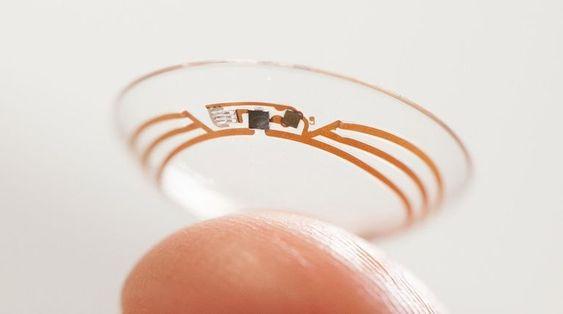 Med kontaktlinser som dette skal diabetikere i framtiden kunne kontinuerlig måle glukosenivået i tårevæsken i stedet for å bruke blodsukkermålere.