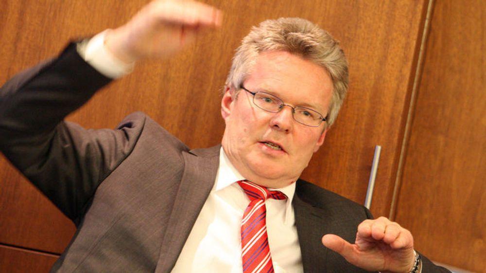 Konsernsjef Terje Mjøs foretar endringer i selskapets toppledelse.