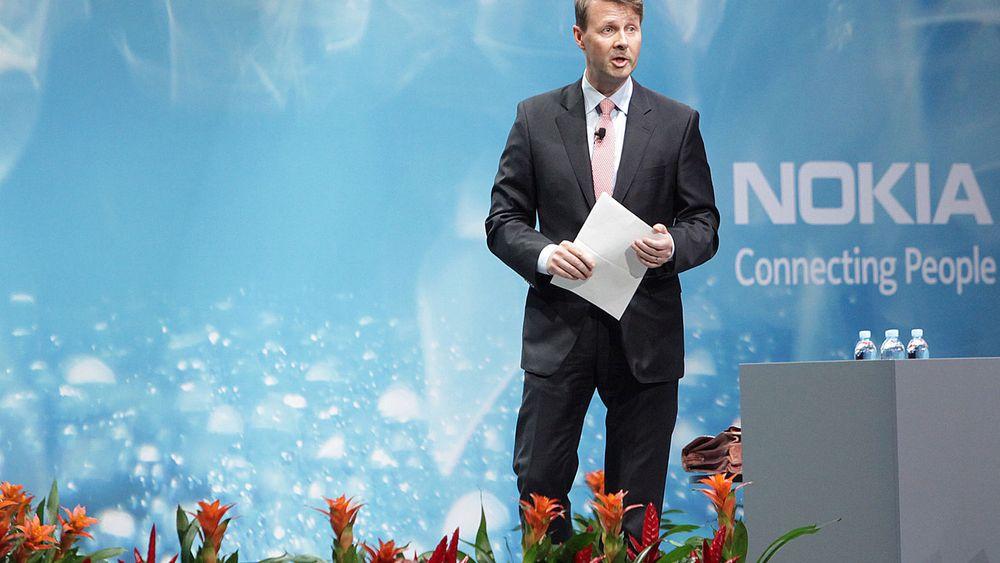 Nokias styreleder Risto Siilasmaa under gårsdagens generalforsamling der selskapet vedtok å selge mobilvirksomheten. I Kina gikk ikke begivenheten like rolig for seg.