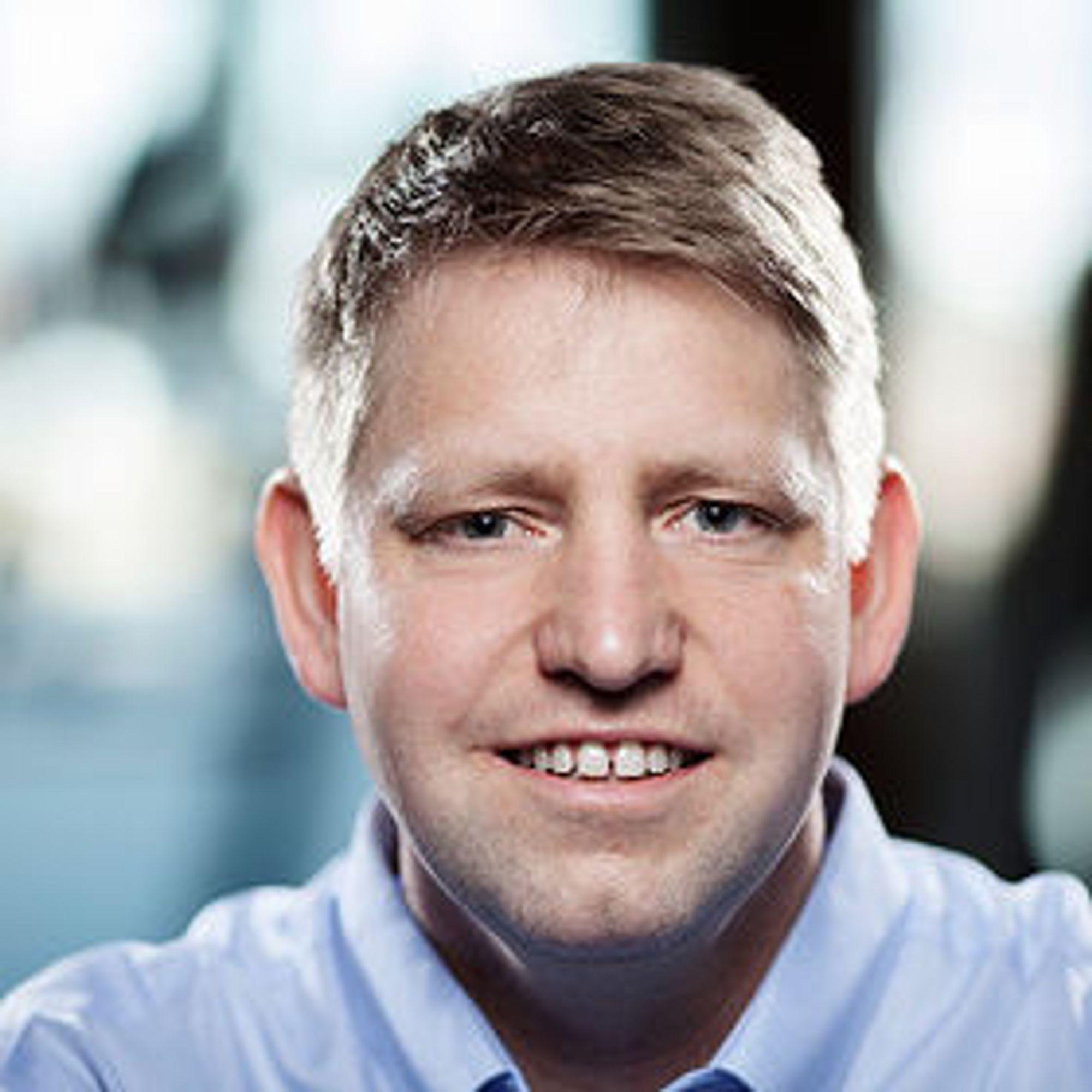 Stein Danielsen i Cxense forklarer hvordan den nye 3D-annonsen er laget.