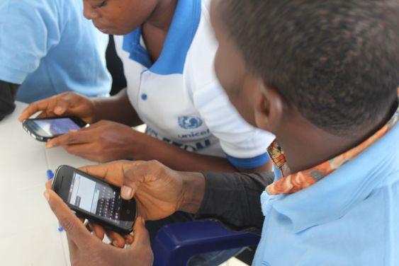 Sms-løsninger på åpen kildekode kan vise seg å bli livsviktig for å få bukt med ebola-epidemien.