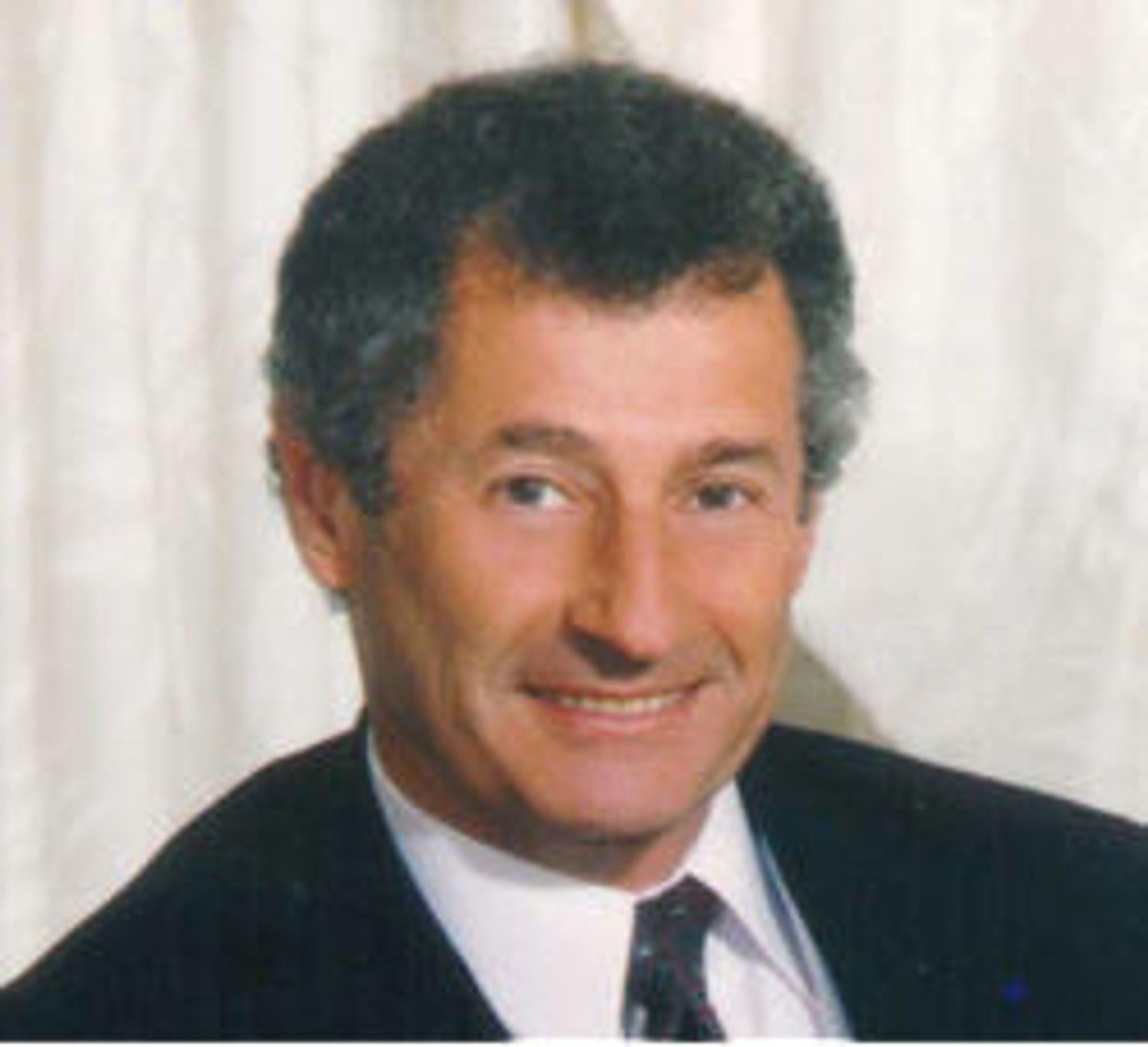 Leonard Kleinrock utviklet den matematiske teorien for pakkesvitsjede nett som MIT-student tidlig på 1960-tallet. 29. oktober 1969 fungerte pakkesvitsjing mellom datamaskiner for første gang. (Foto:Louis Bachrach)