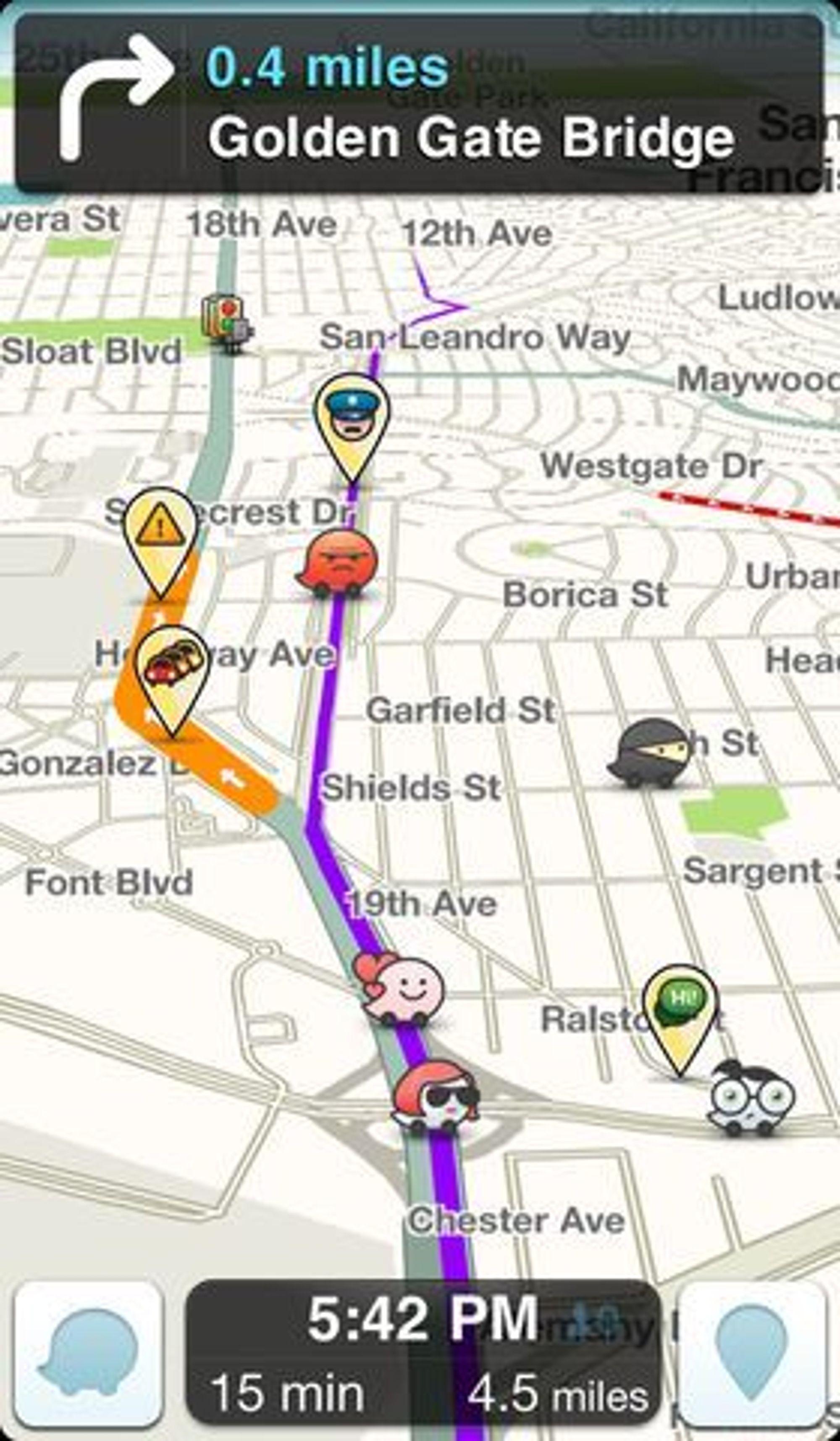 Waze-applikasjonen viser på kartet hvor det finnes ulike hindringer i veien, inkludert politikontroller og kø.